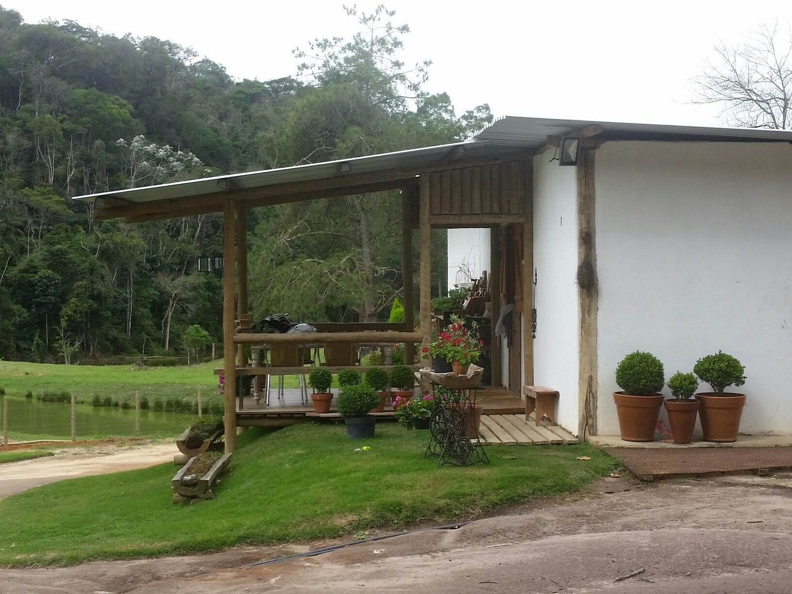 A simple farmhouse in Brazil.  Pedra Azul. Domingos Martins.  Nature. Peace.  Harmony. Oh Lord Jesus!  Oh Senhor Jesus!