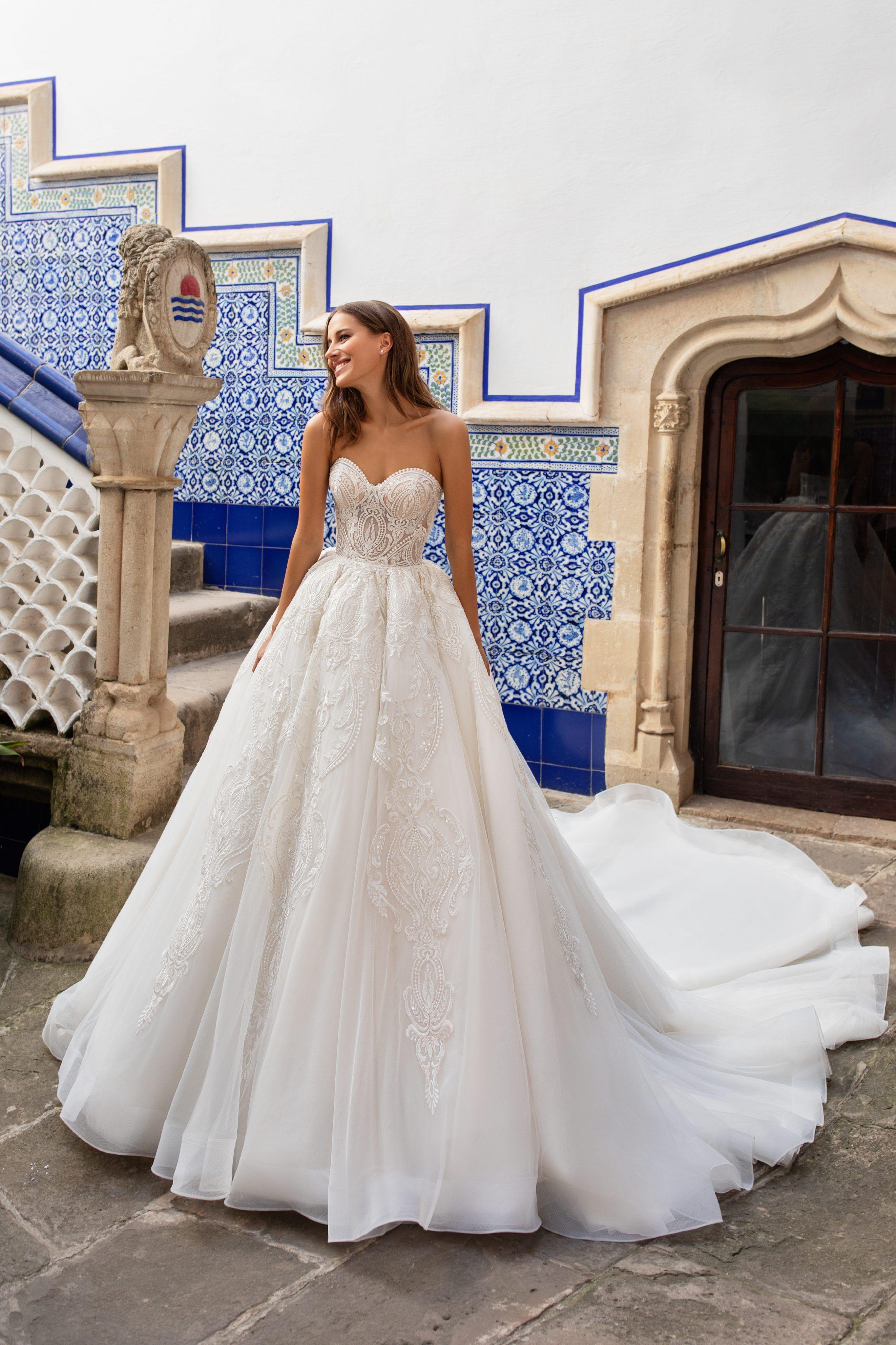 Sleeveless Deep Vneckline Crepe Ball Gown wedding dress