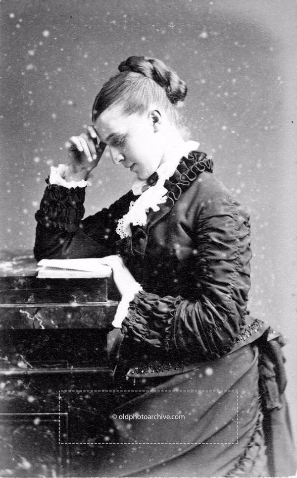 7d71b0f76fb98 A Girl and Her Books in the 1800s (15 Photos) - Old Photo Archive - Vintage  Photos and Historical Photos