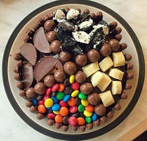 . #food #whitechocolate #delicious #chocolate #cookie #m&m #colours #blackchocolate #food #desert #share #chocolates #L4L
