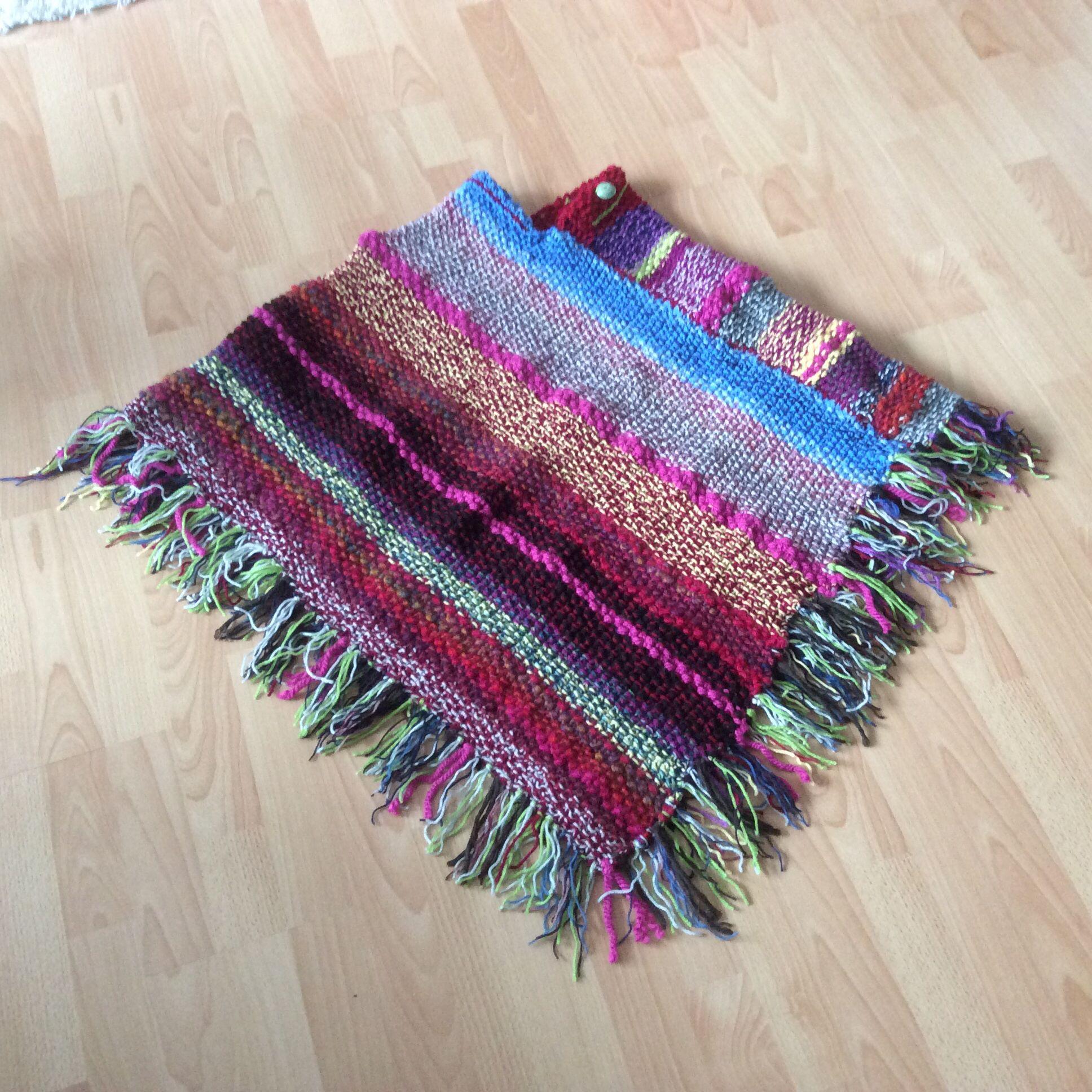 Poncho aus Wollresten