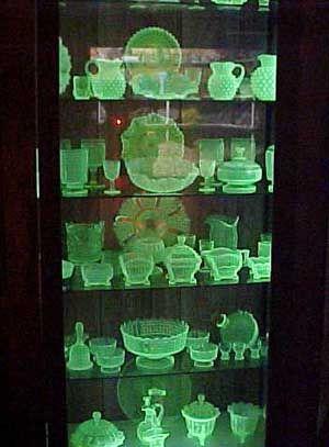 Does Uranium Glass Glow In The Dark