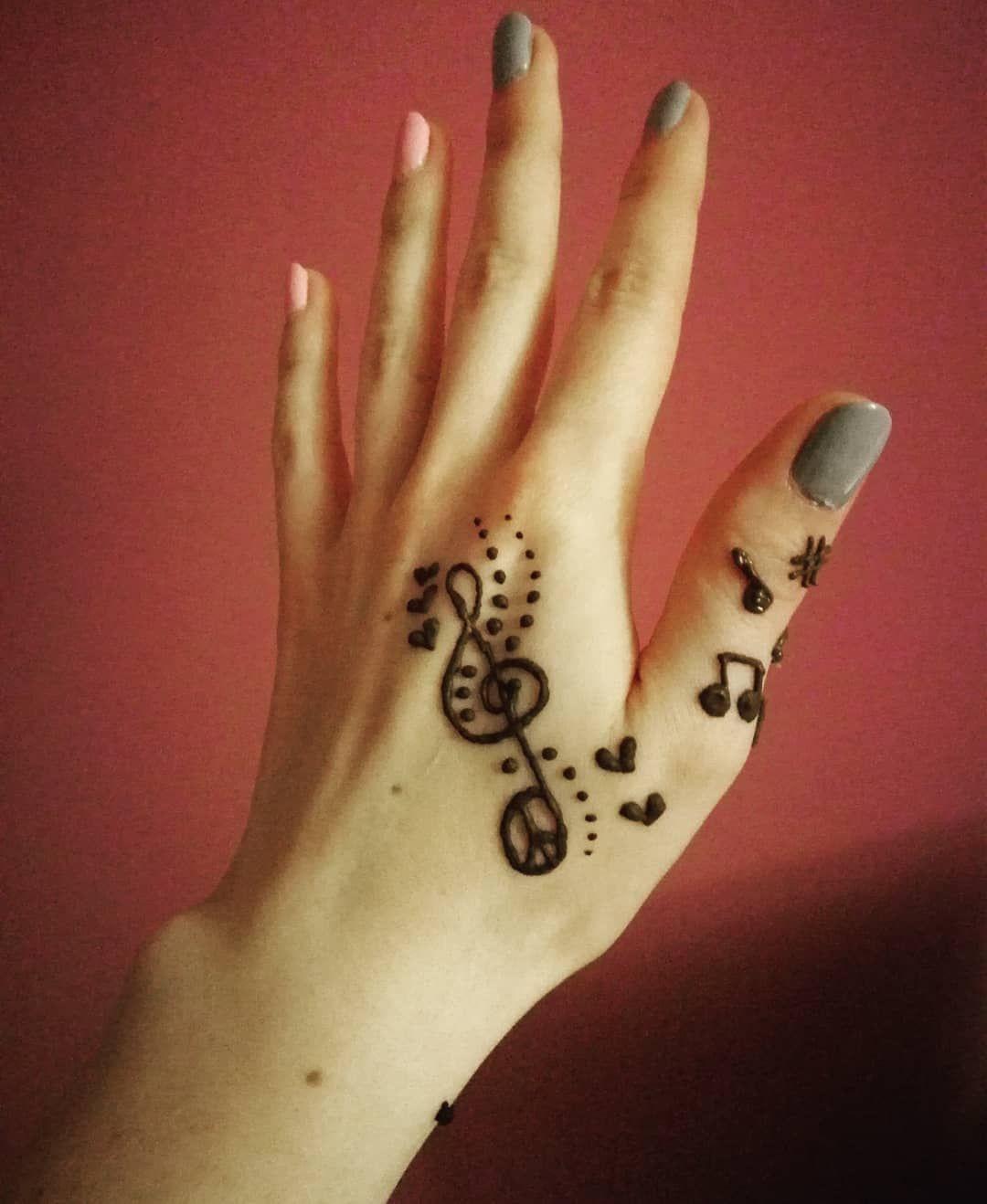 e8fd5629d #music #musicispower #musicnotes #musician #love #newyear #hello #2018 # henna #hennatattoo #indianstyle #indianwife #india #indiadiaries #indialove  #mehndi ...