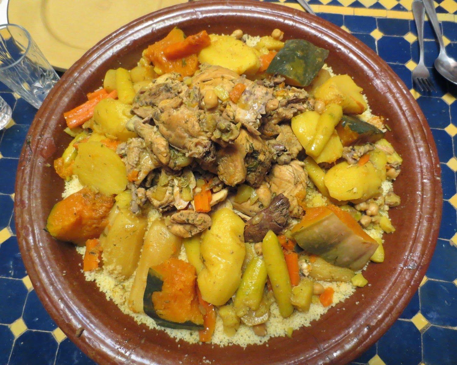 d origine berb re le couscous marocain est le plat de toutes les festivit s et du vendredi en. Black Bedroom Furniture Sets. Home Design Ideas