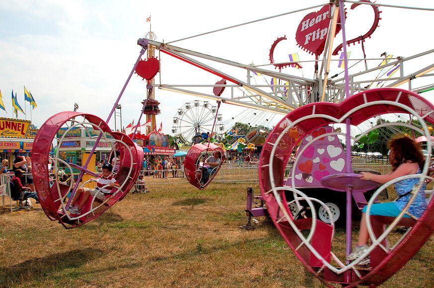 Heart flip ride park amusement park country fair