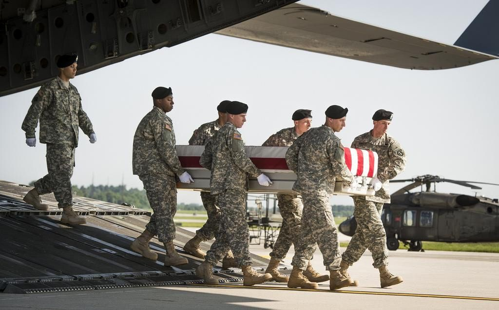 Senior Leaders Pay Respect To Fallen General Soldier Army Soldier Troops
