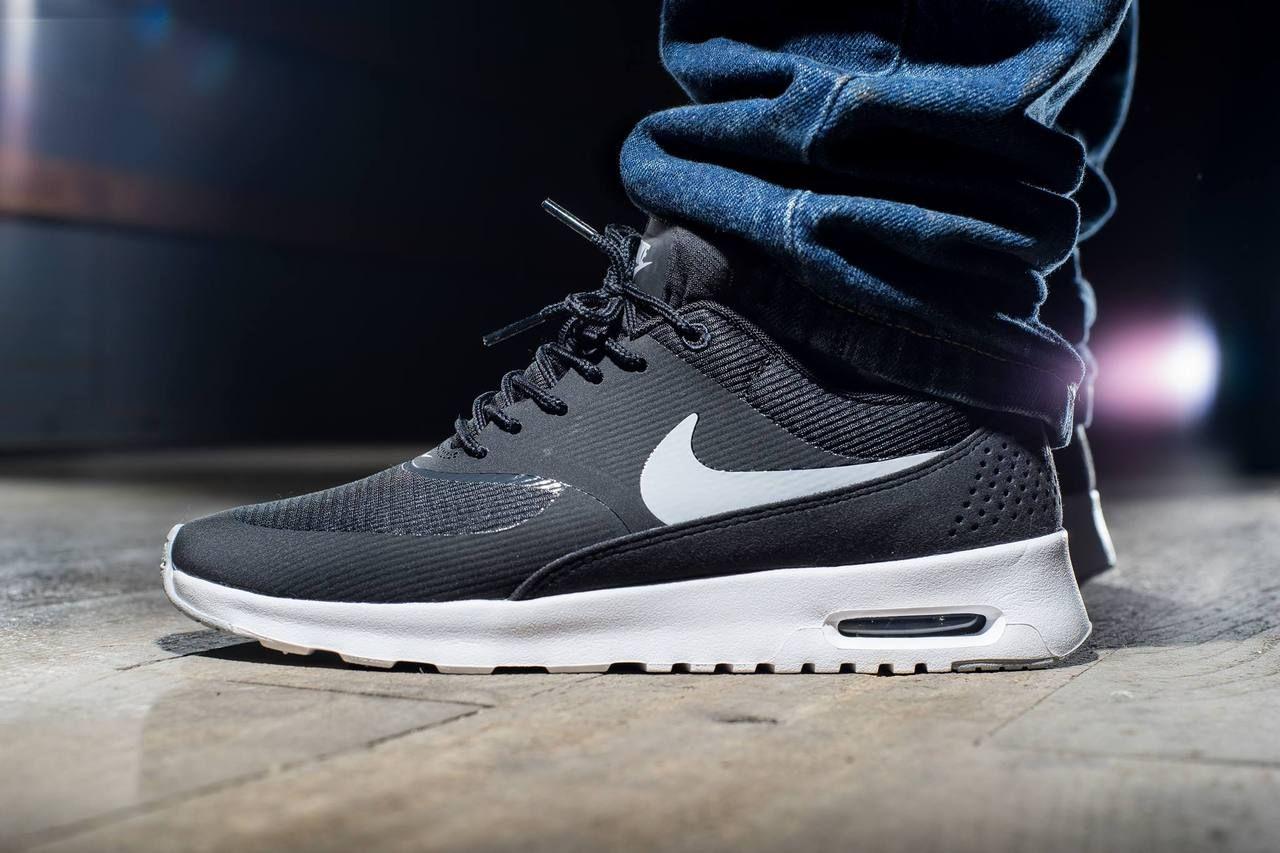 Nike Air Max Pas Cher Thea Fond Noir Et Blanc