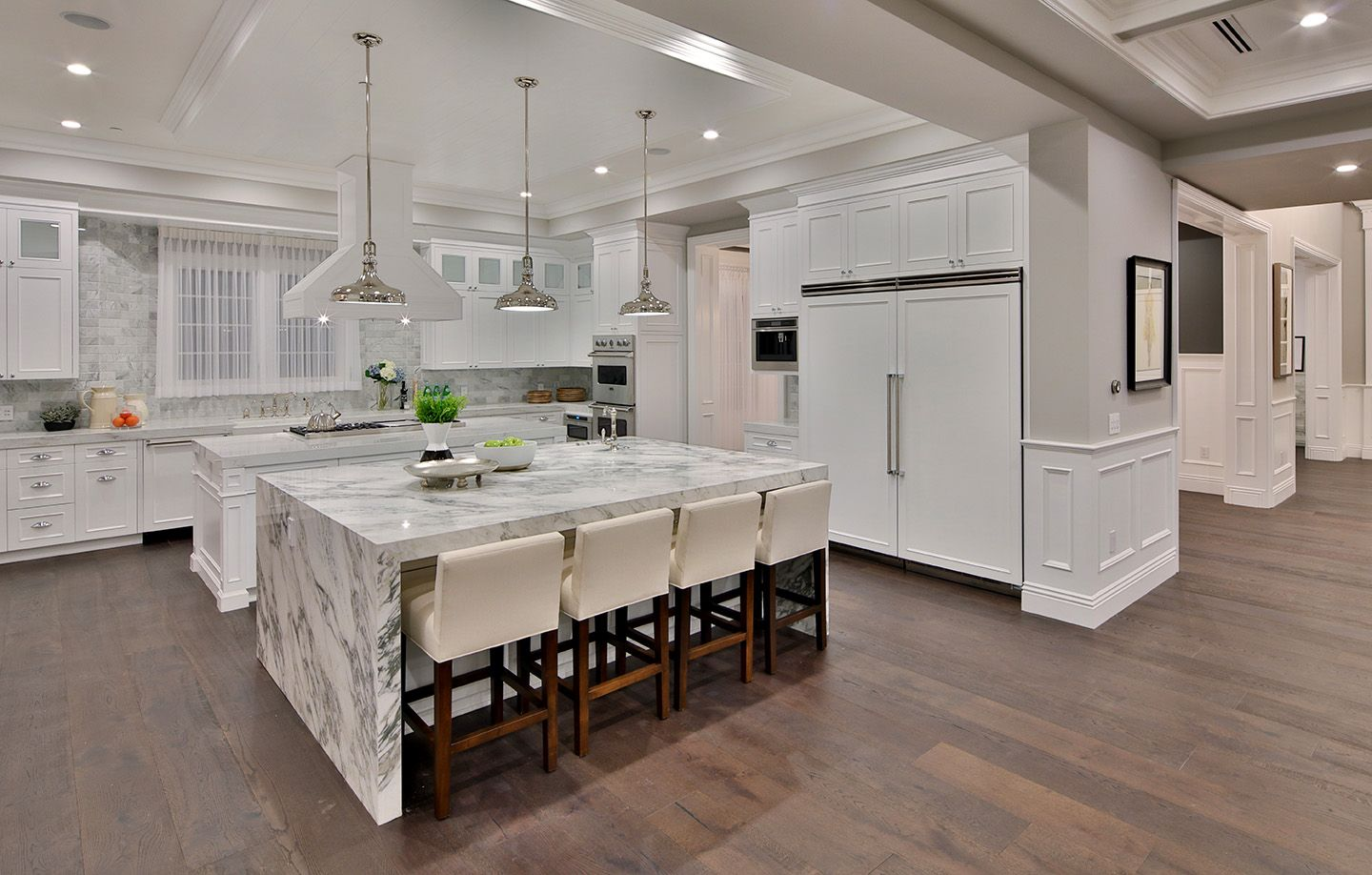 Best Luxury White Modern Kitchen With Marble Island White 640 x 480