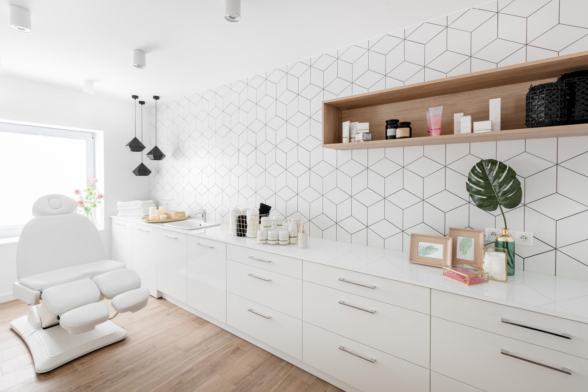 Nowoczesny gabinet kosmetyczny - PLN Design
