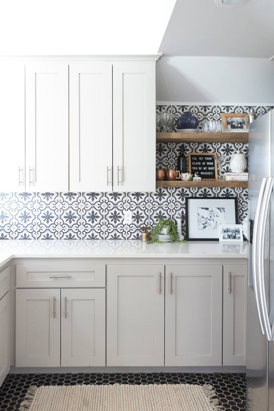 11 Kitchen Tile Backsplash Ideas for White Cabinets - That ...