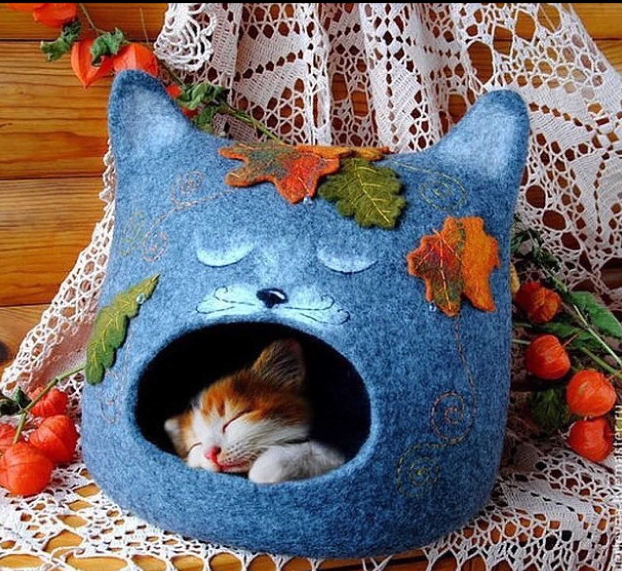 Pin by Pinar Patterson on Felt Felt cat, Cat cave