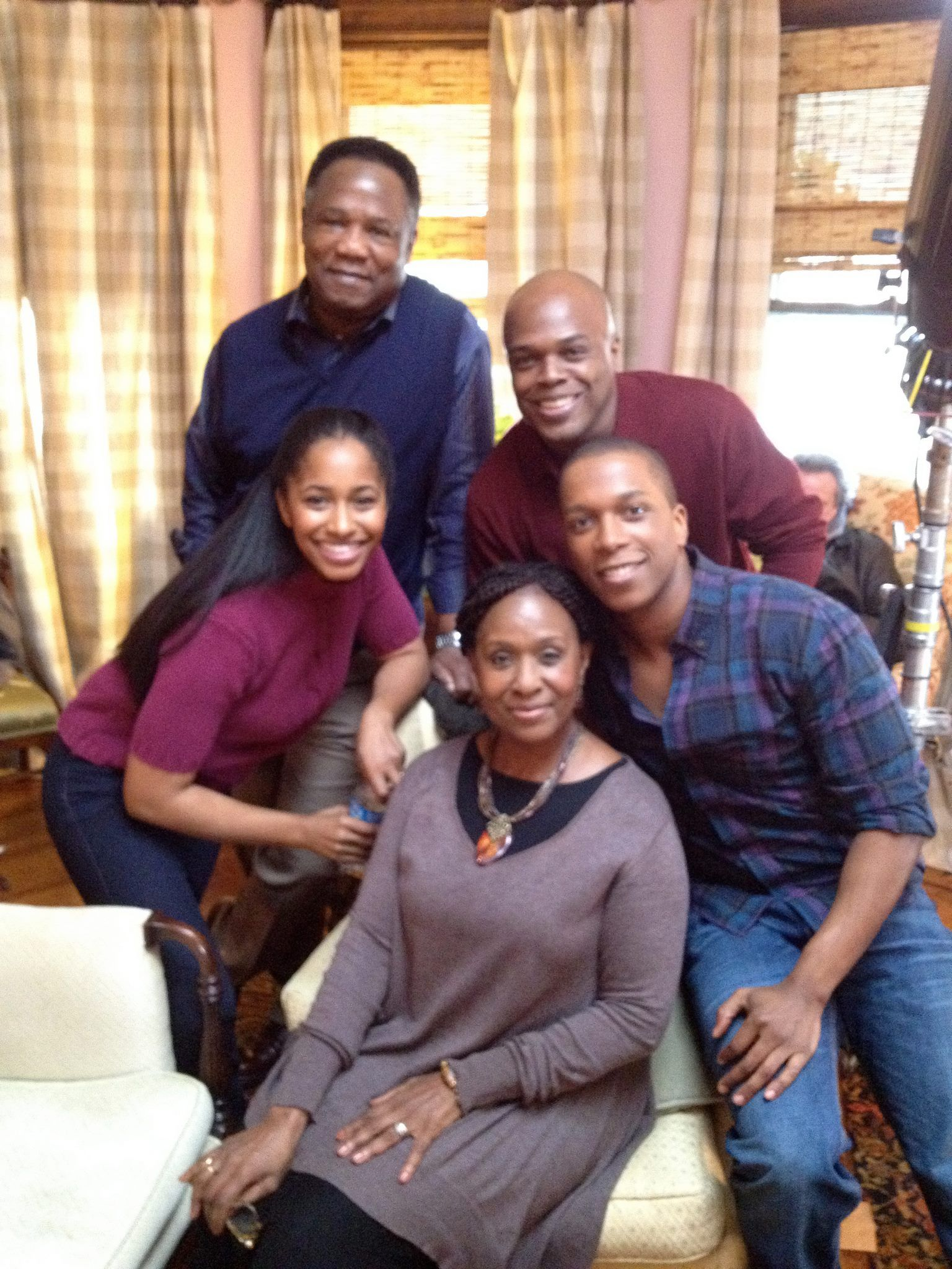 Black folks guest star on NBC's #Smash episode 'Tech.' Tonight's episode starred guest stars Isiah Whitlock Jr, who played Leslie Odom Jr.'s father – and Elain R. Graham, who played his mother. Ty Jones and Amina Robinson also guest-starred on that episode.