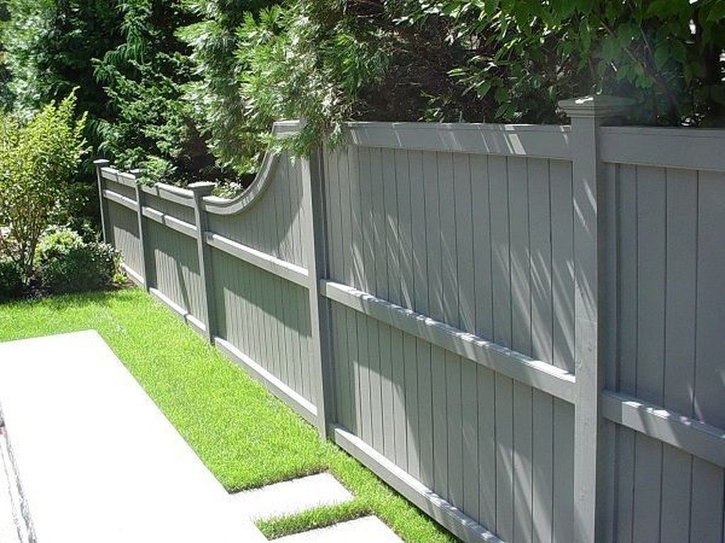 20 Gorgeous Black Wooden Fence Design Ideas For Frontyards