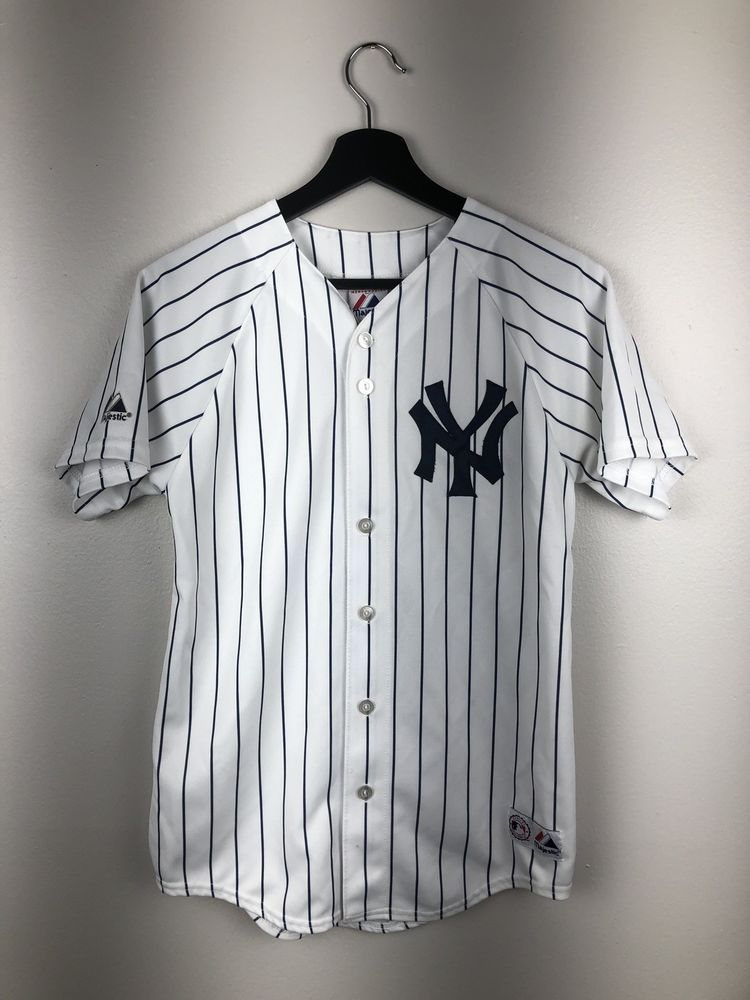 Majestic Mlb New York Yankees Jersey Kids Size L Free Shipping Ebay New York Yankees Vintage Clothes 90s Clothes