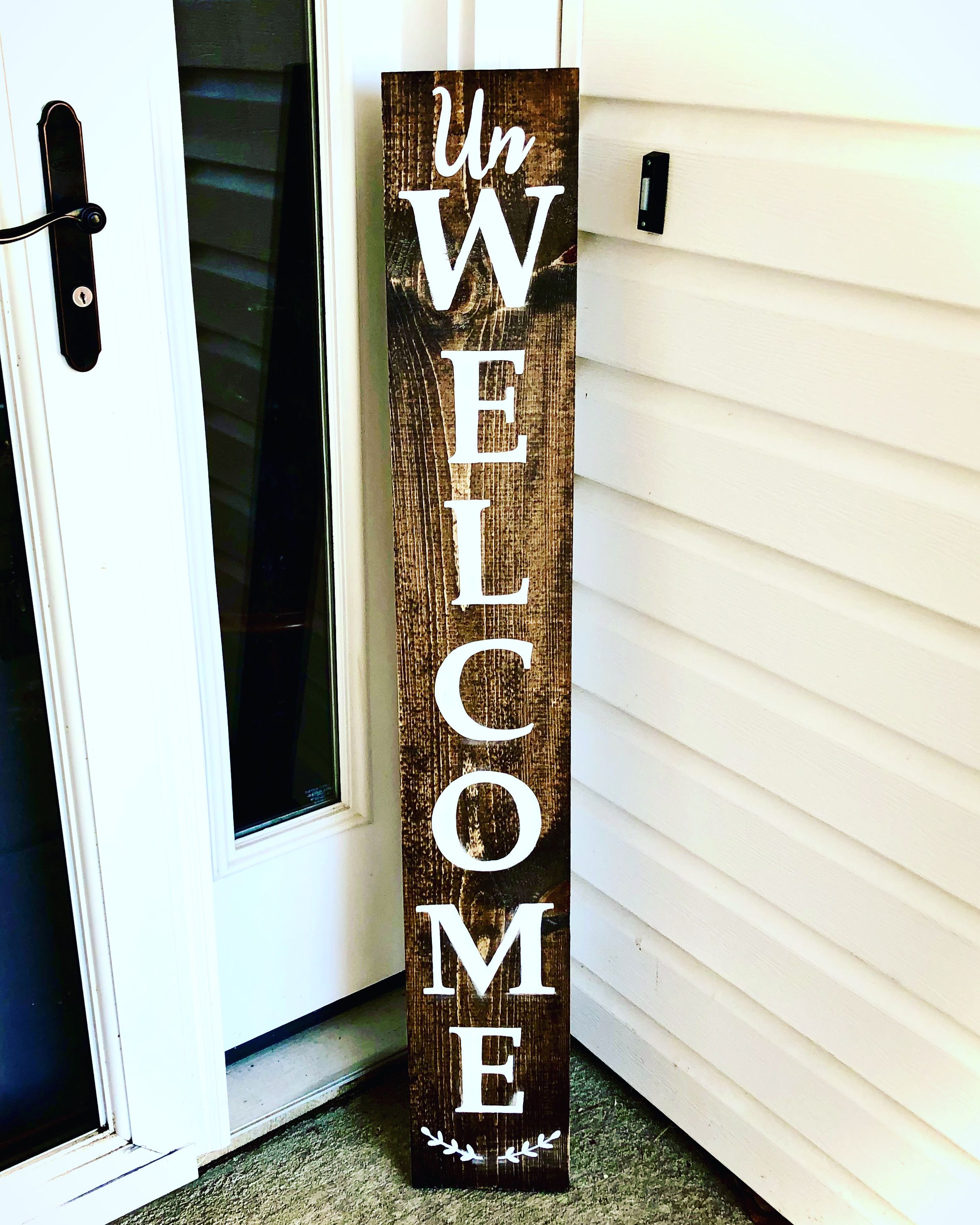 A Welcome Sign For People That Don T Like People Rustic Welcome Sign Funny Welcome Sign For Porch Unique Wel In 2020 Porch Welcome Sign Funny Welcome Signs Porch Signs