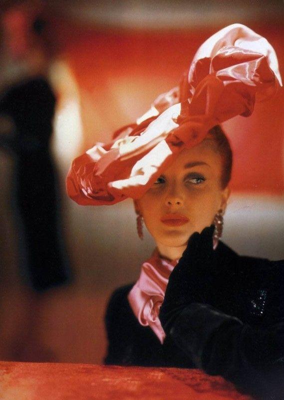 Гламурные 40-е в цвете и высоком разрешении   Стиль и мода Style and ... b1db8c68666