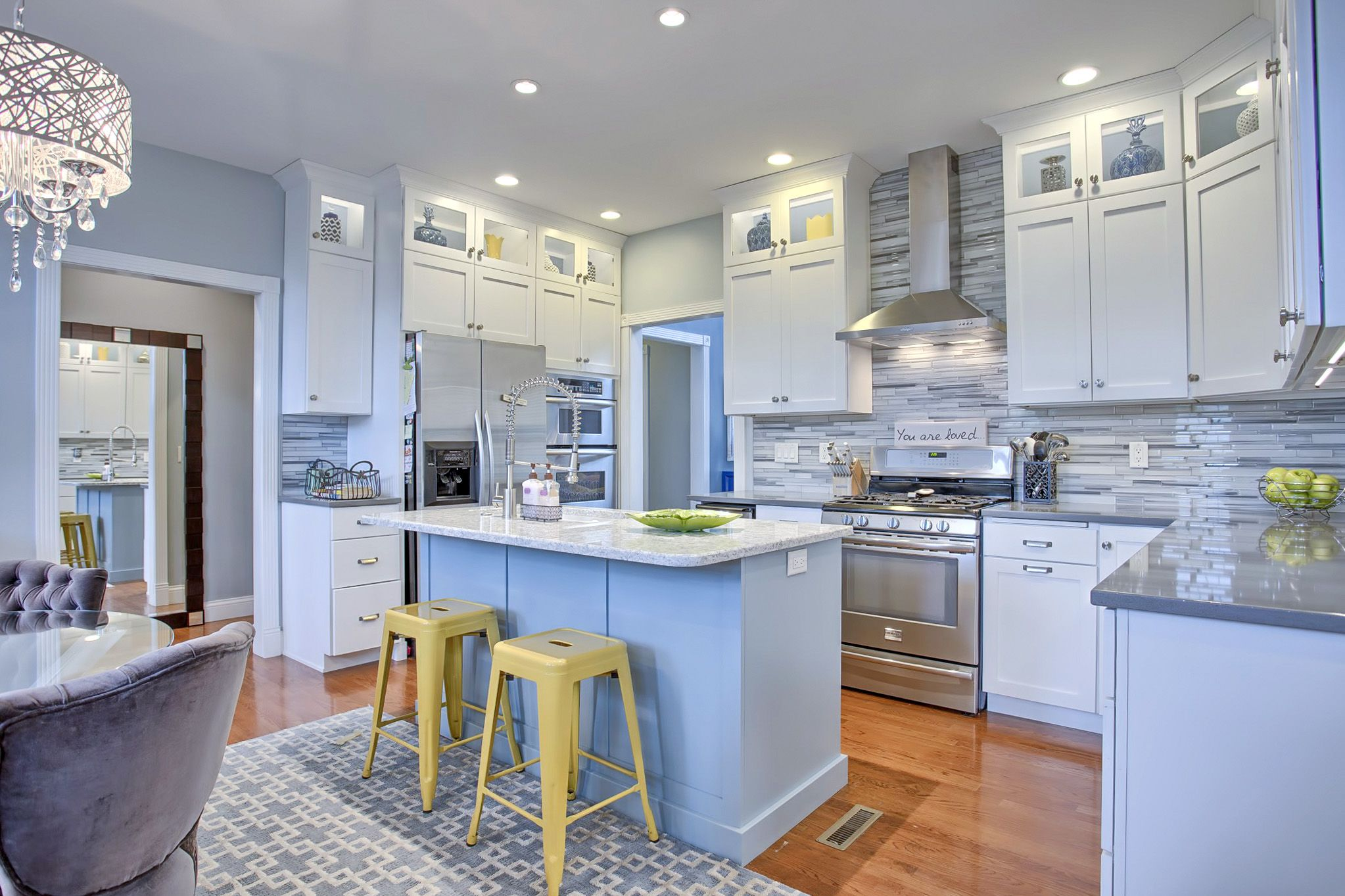 Look2 Photo Gallery - 2206 Strand - My cozy kitchen - Laura D. S. ...