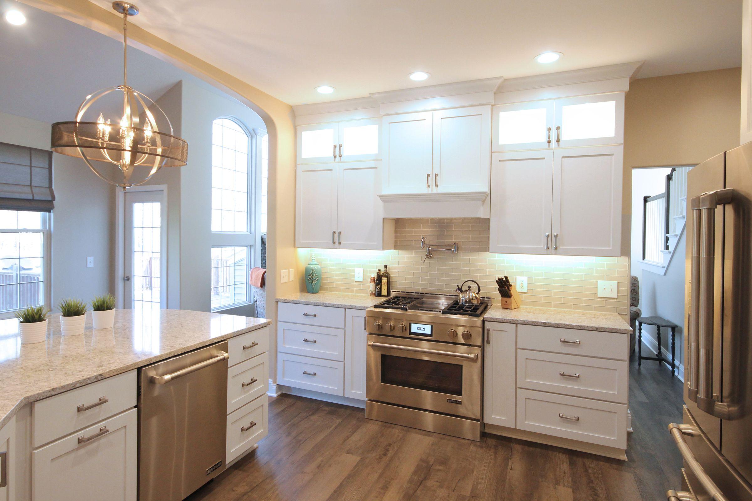 Starlite Kitchens Designer: Paula Allison. Photographer: Sandi ...