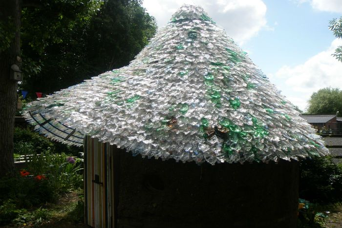 Plastic Bottles Transformed Into Ultimate Green Roofs Plastic Bottles Green Roof