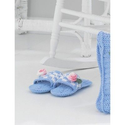 Free Intermediate Women\'s Slippers Crochet Pattern   Free Crochet ...