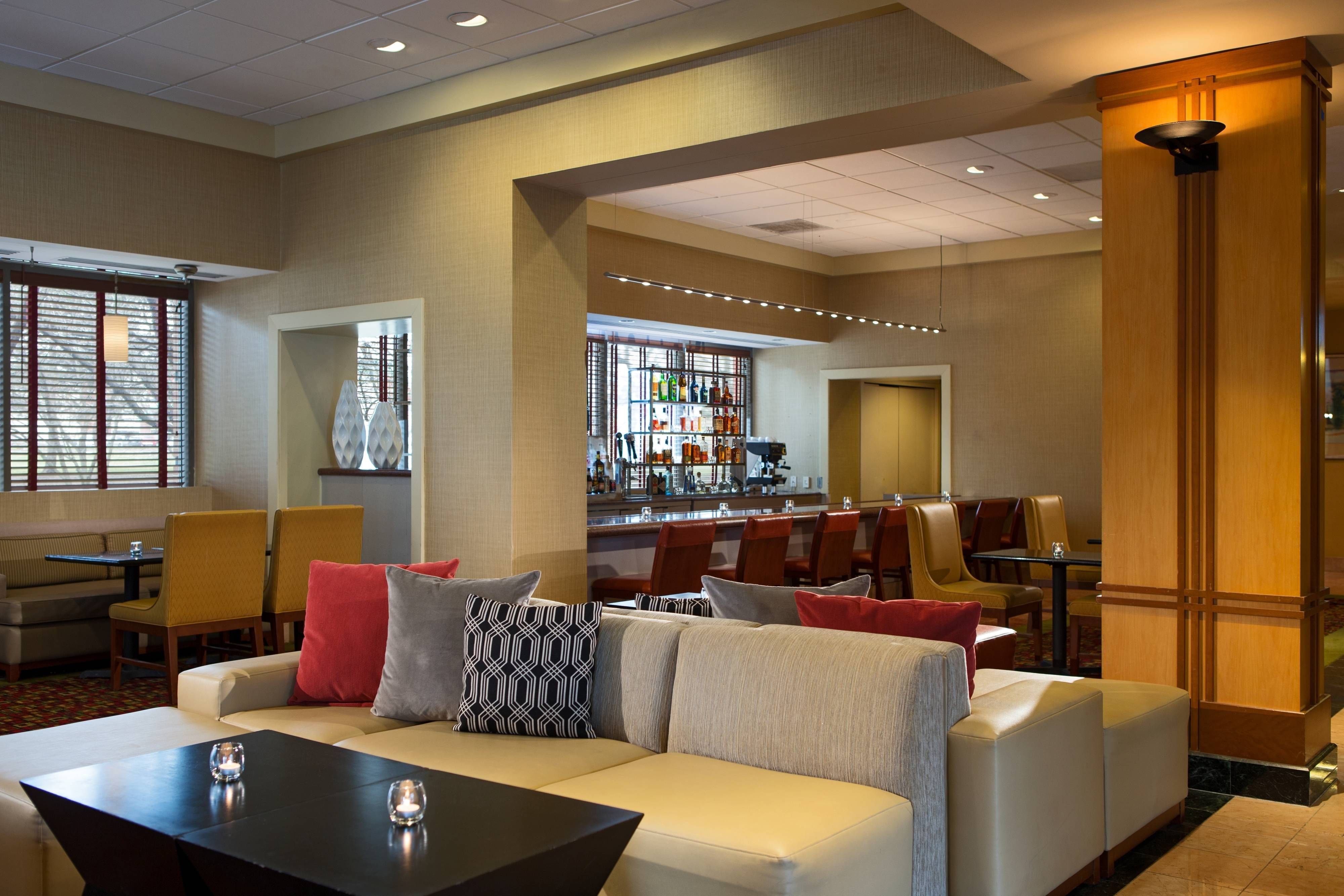 Chicago Marriott Suites Downers Grove Lobby Lounge Rooms