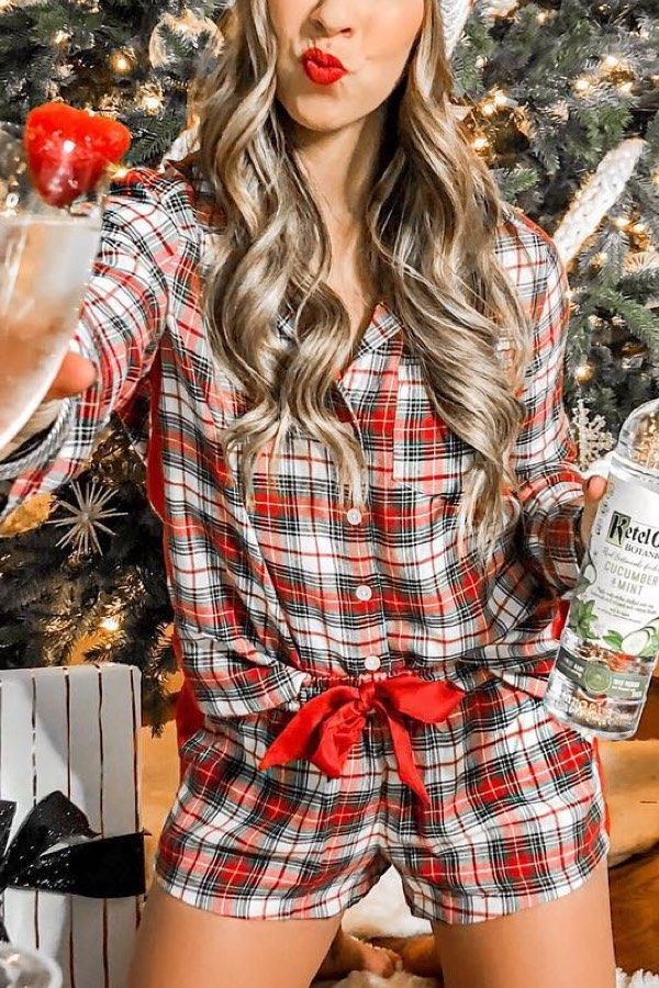 25 Christmas Pajama Outfits To Inspire You This Holiday Season -
