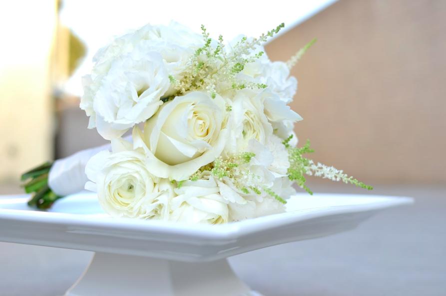 White rose/astilbe bouquet #astilbebouquet White rose/astilbe bouquet #astilbebouquet White rose/astilbe bouquet #astilbebouquet White rose/astilbe bouquet