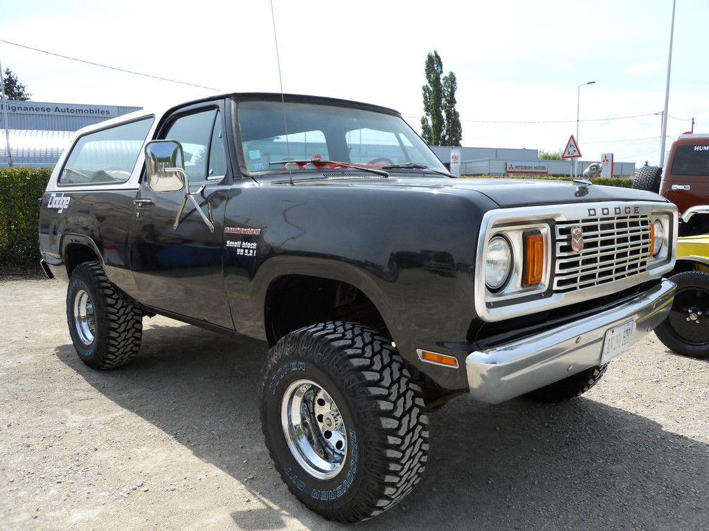 Black dodge ramcharger 3
