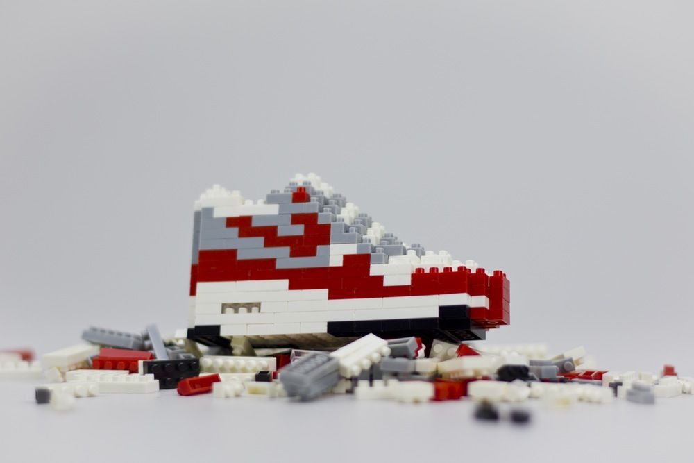 MONTBLOC toy — Air max 1 Red OG | Lego, Sneakers