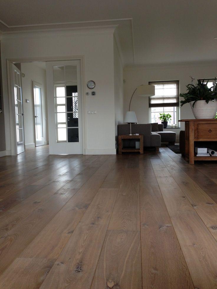 Houten vloer woonkamer #inspiratie #vloer #woonkamer | Bruine ...