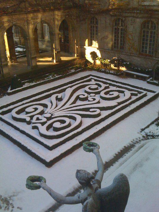 Musée Carnavalet in the snow, Paris