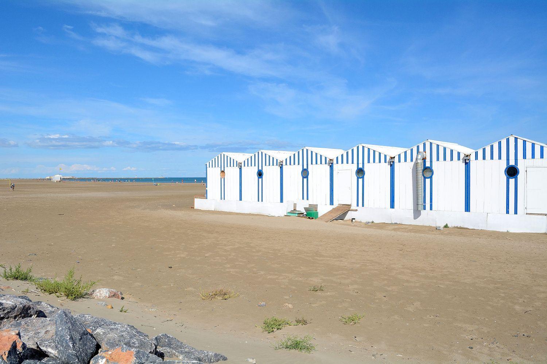 Plage Des Chalets A Gruissan cabines sur la plage - gruissan plage des chalets - marine r
