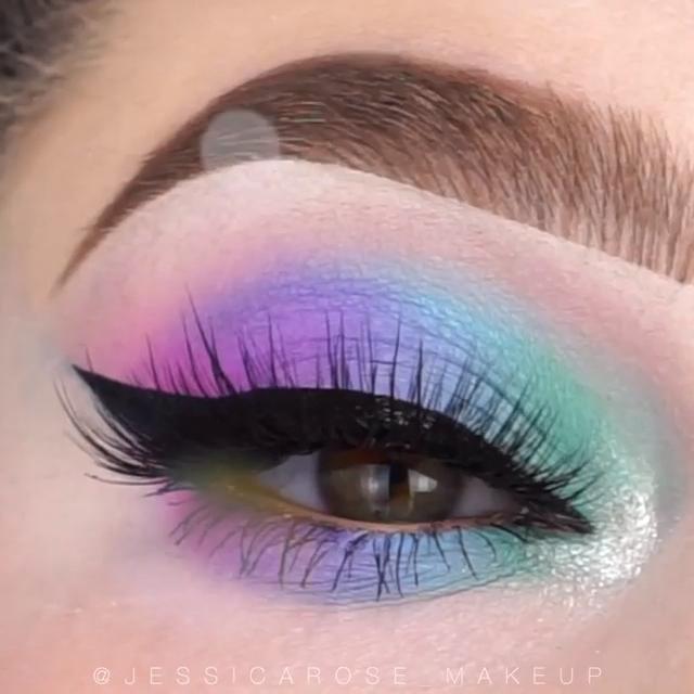 Photo of Blue Eye Makeup Tutorial