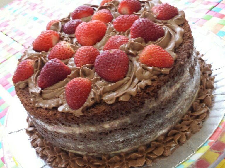 Receita de Bolo Naked Cake de morango com creme - Receitas