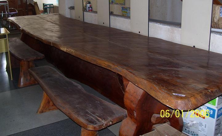 Mesa Rústica - Cadeiras e Reunião | Imóveis