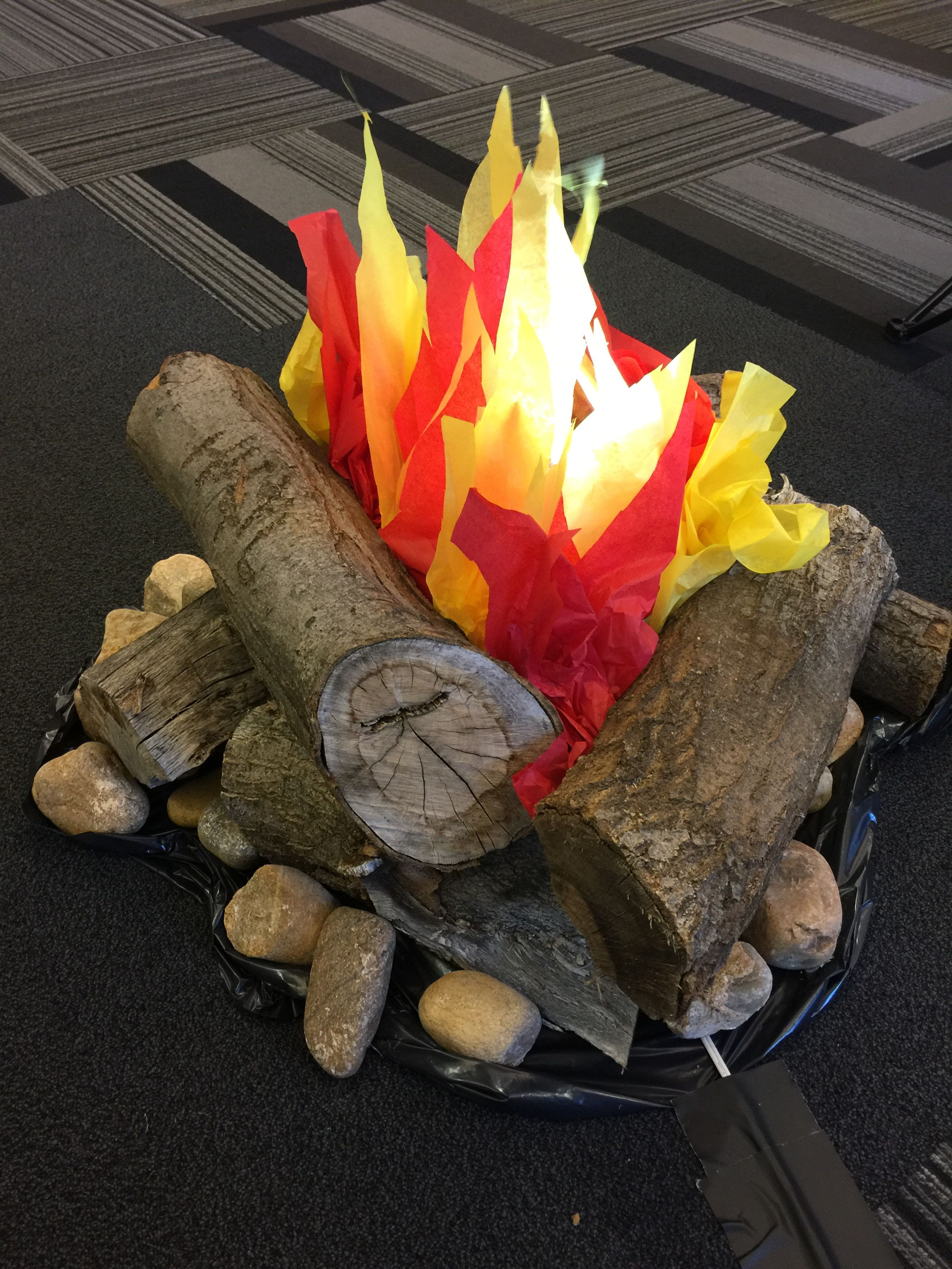 Fake Campfire Made with a fan, tissue paper and LED lamps ...