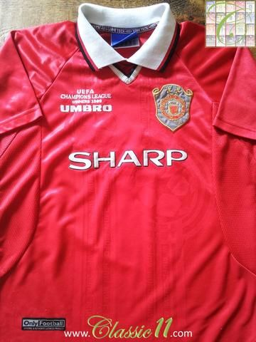 Relive Manchester United's 1999/2000 European season with this vintage Umbro home football shirt.