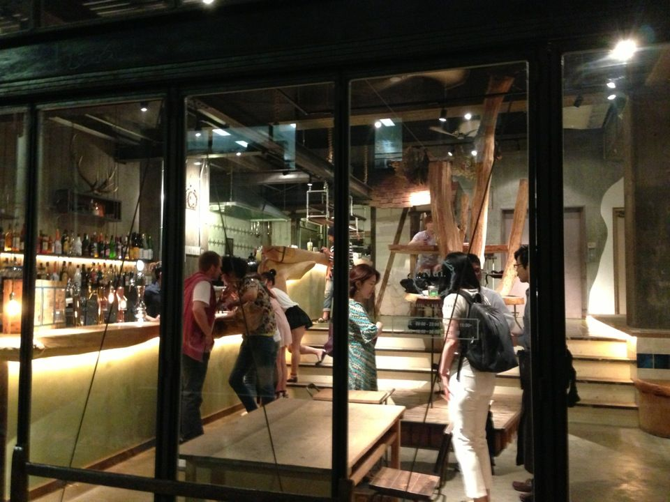 Nui. | HOSTEL & BAR LOUNGEは台東区、東京都にあります