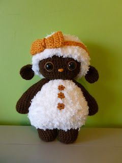 Marlies lamb (no pattern but too cute not to pin). :)