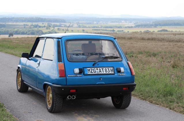 Deze Renault 5 Alpine Turbo 122B In De Alpine Blauwe Kleur