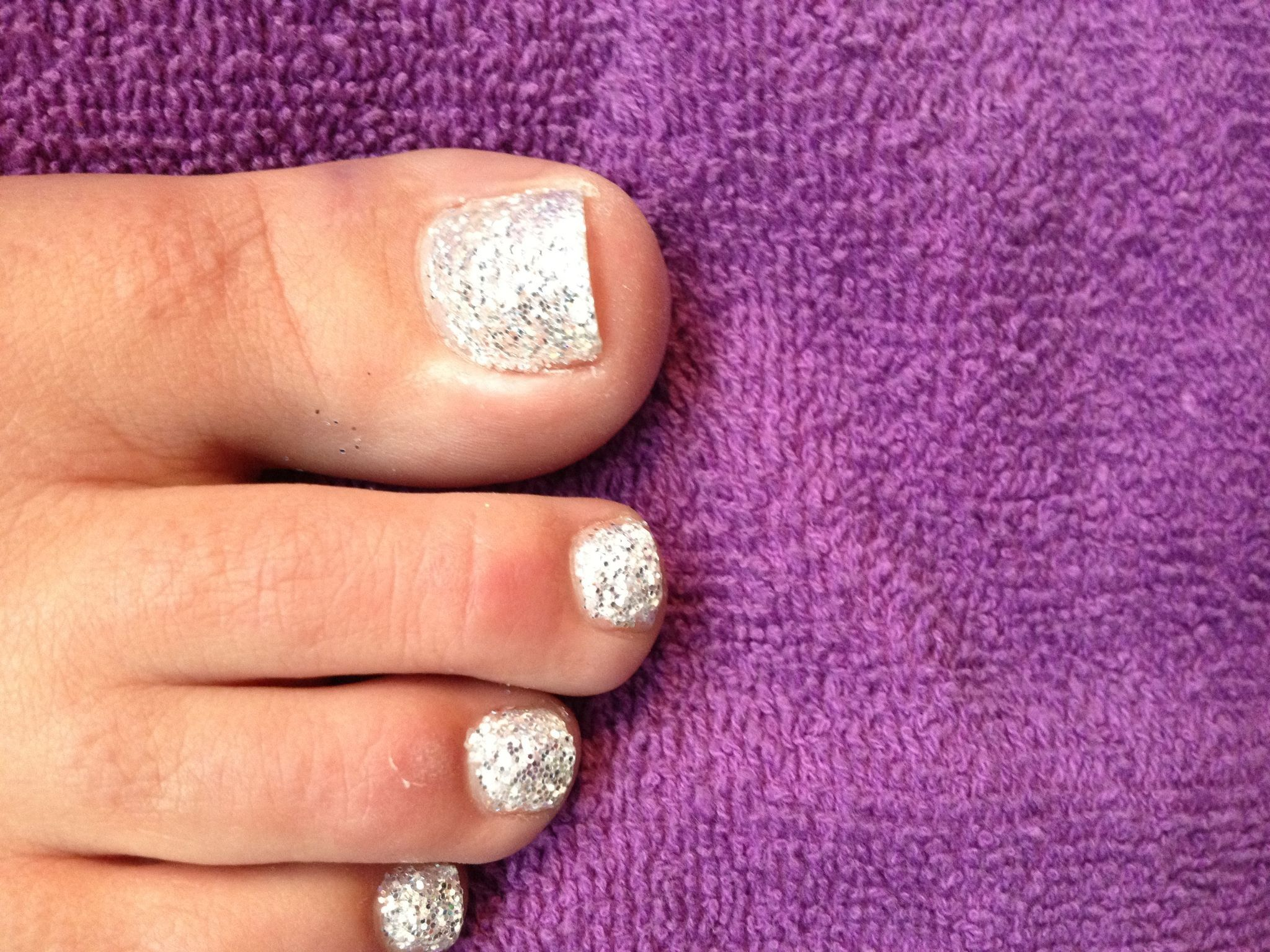 Glitter toe nails, Glitter toes