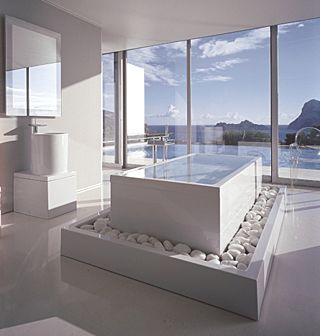 Genial Soothing All White Bathroom With A View