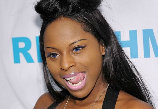 Foxy Brown Claims She Was Robbed Of $100000 At American Airlines Baggage Claim