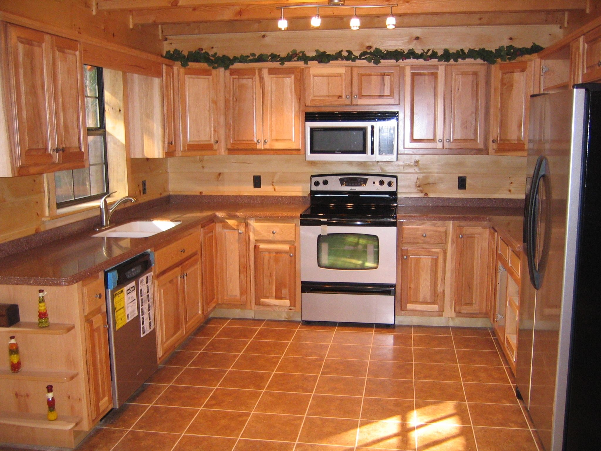 Cedar wood kitchen cabinets wintergreen condo decor u reno