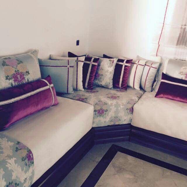 Corner seat | Livingroom Inspiration in 2019 | Moroccan lounge, Room ...