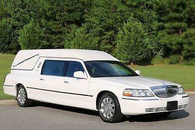 2003 Lincoln Continental Towncar Hearse By Eureka Funeral Vehicles