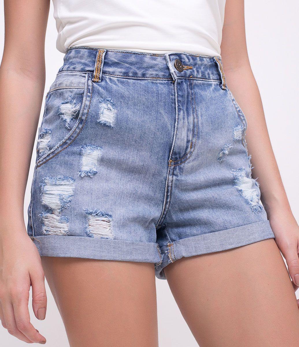4f1f894ebd Short feminino Modelo boyfriend Com puídos Marca  Blue Steel Tecido  jeans  Composição  100% algodão Modelo veste tamanho  36 Medidas do modelo   Altura  1.72 ...