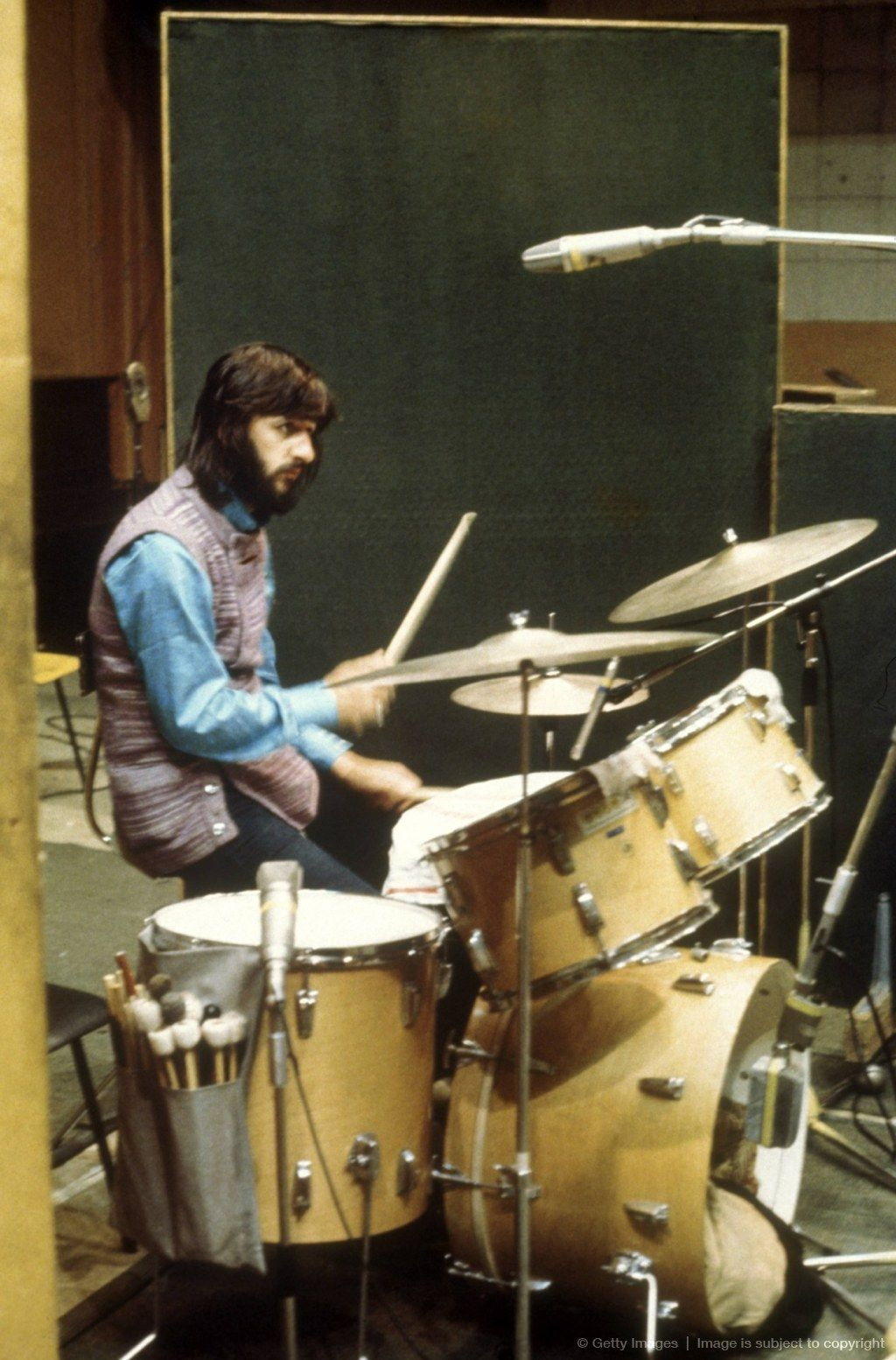 Ringo Starr Playing The Drums In The Recording Studio During Sessions For Bb King In London He Looks Like The Wolfman Ringo Starr Drums Vintage Drums