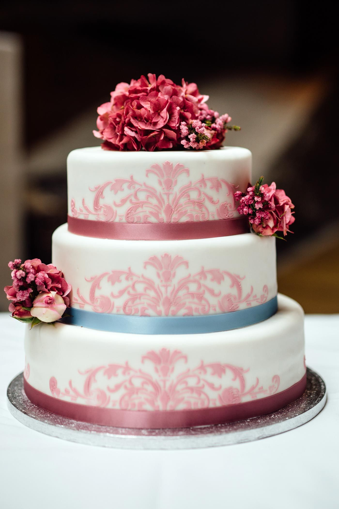 Hochzeitstorte Mit Hortensie In 2018 Beautiful Cakes And Pastry