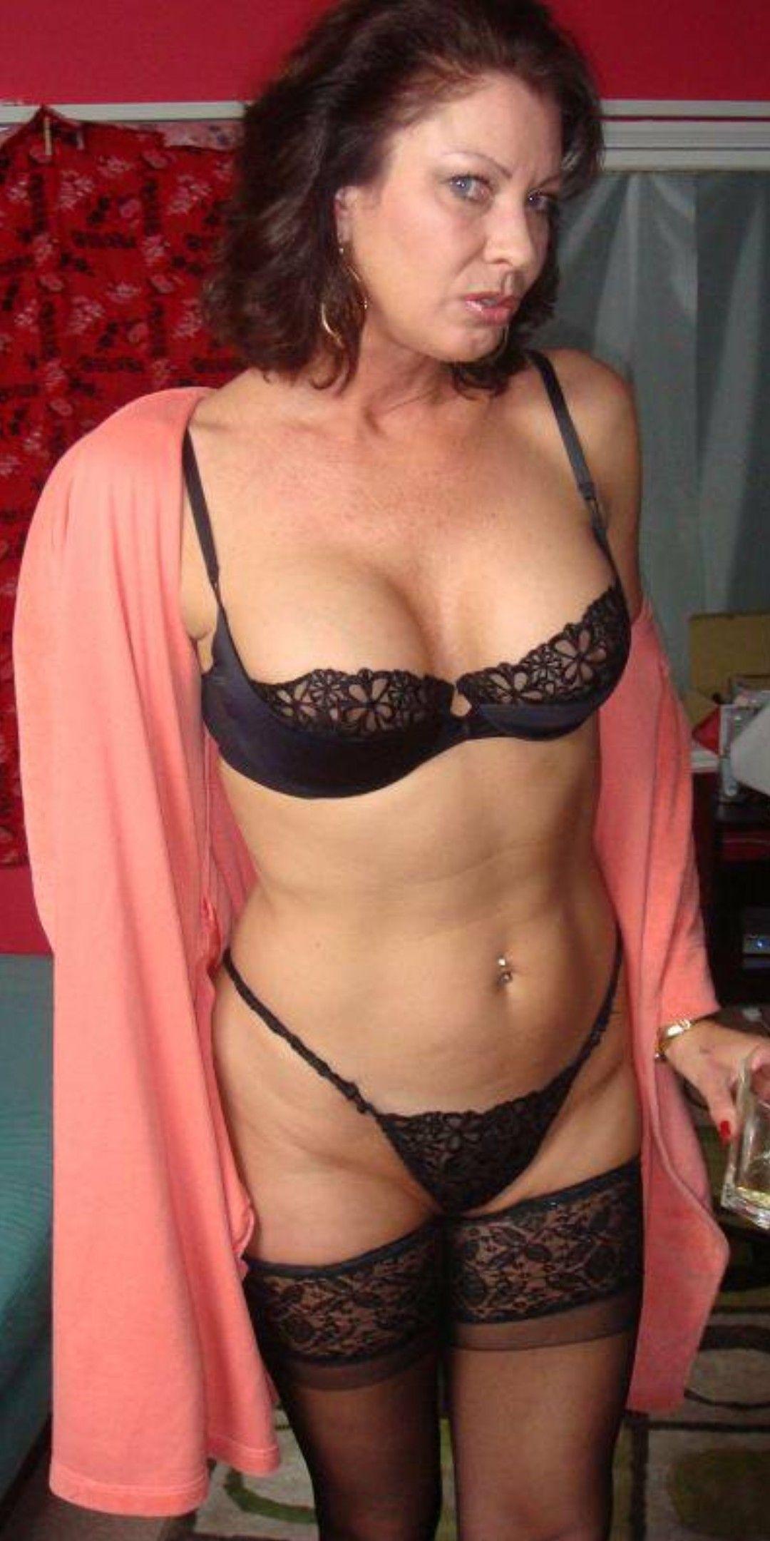 f962fe638 Pin de jader serafim em SEXY MATURE WOMEN   SEXYS MULHERES MADURAS ...
